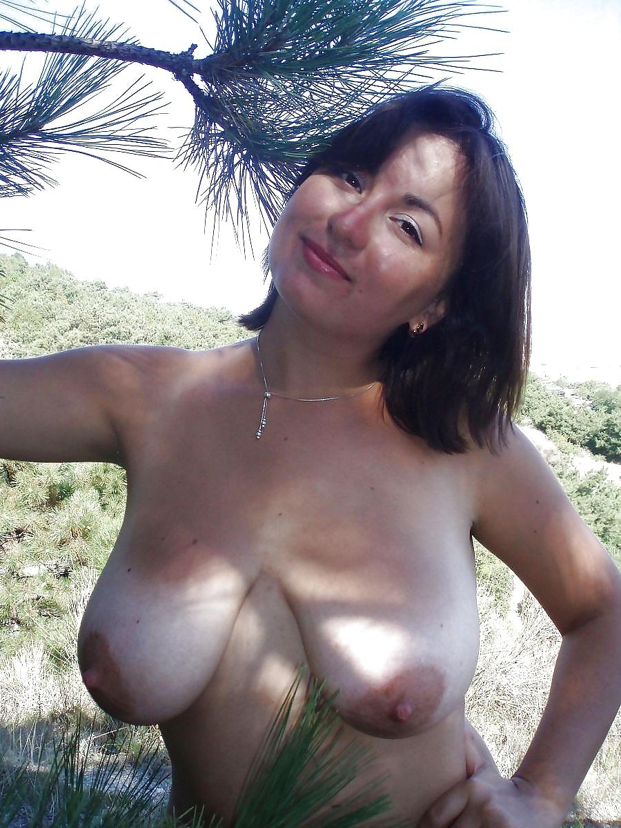 Attractive Silicon Boobs Nude Scenes