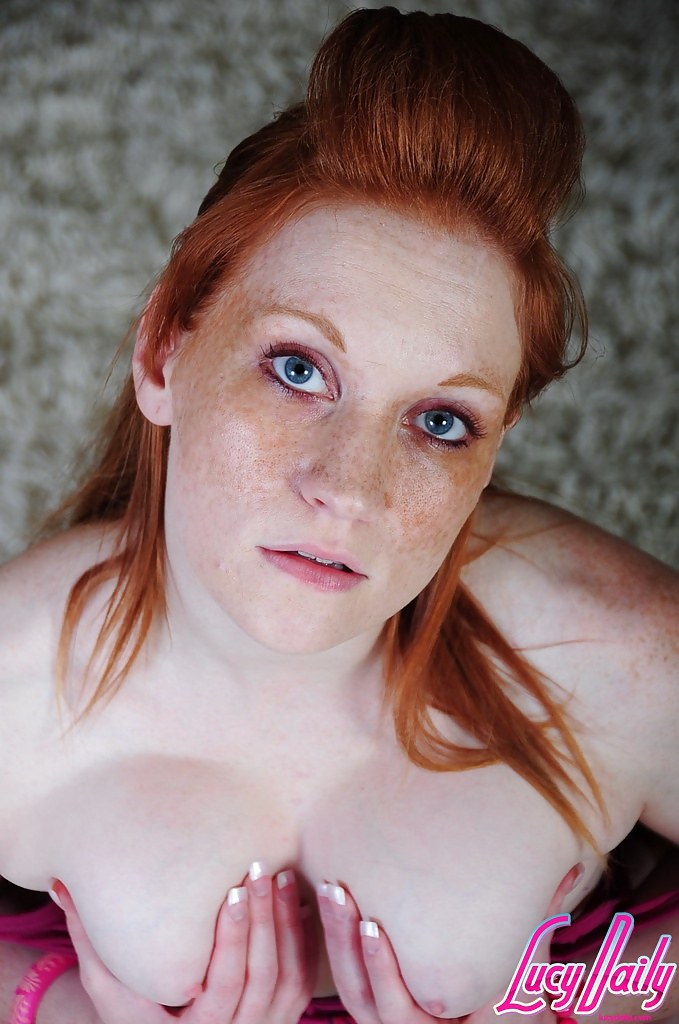 blonde-freckles-and-pale-porn