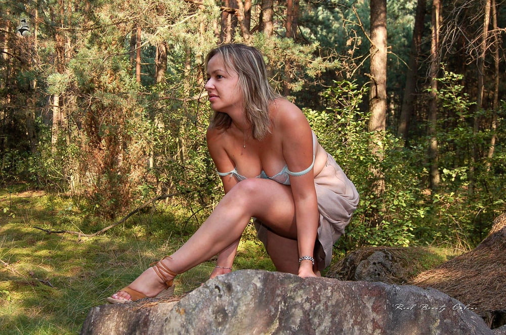 girlfriend-nude-in-forest-boys-emo-sexy-school-ass