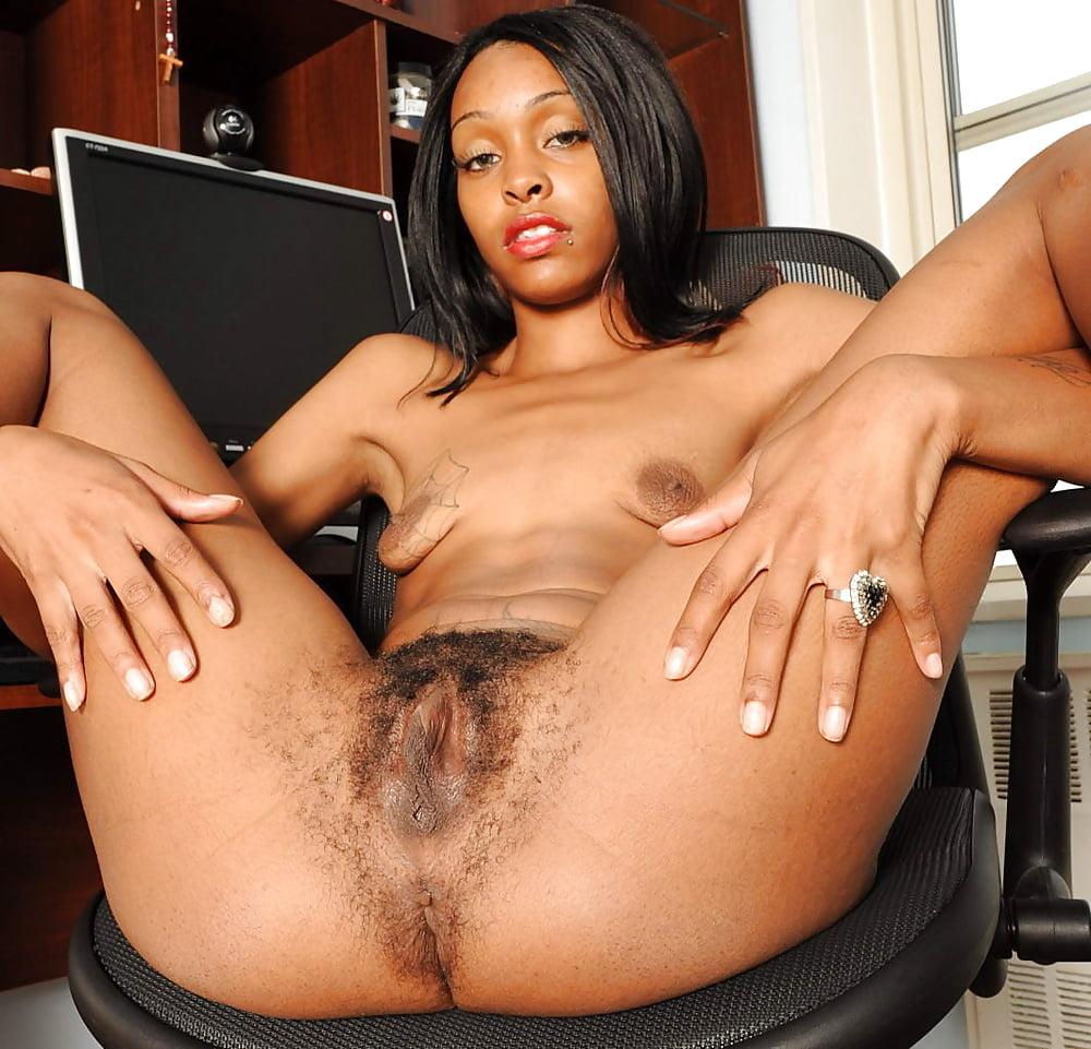 black-moms-pussy-sex-light-tv-porno