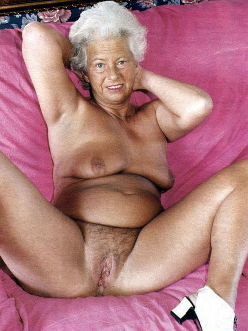 Granny Mommy Sexy Woman Pics