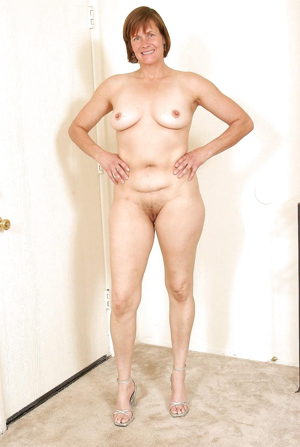 tall-older-women-naked