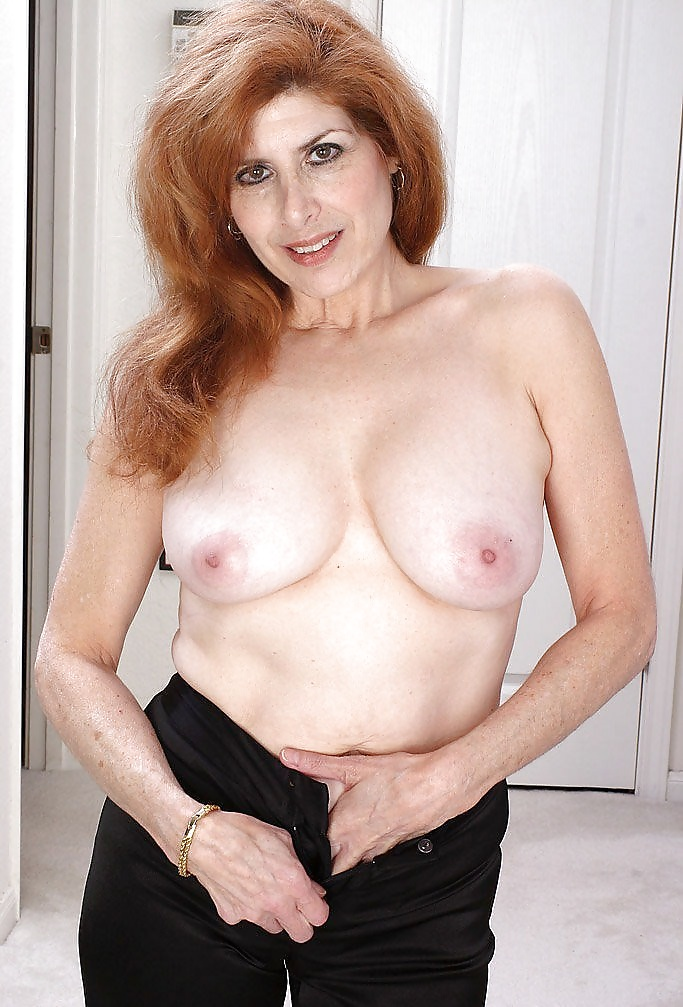 Sexy Mature Redhead Spreads Pussy - 16 Pics  Xhamster-7442