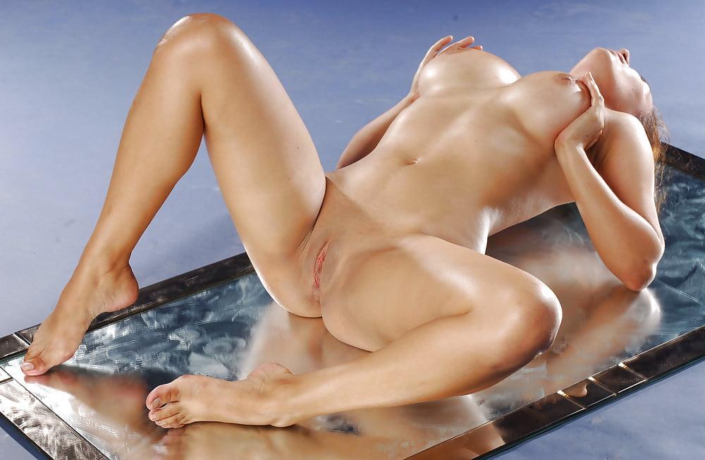 Порно спящих порно женщин с красивыми крепкими телами выбор