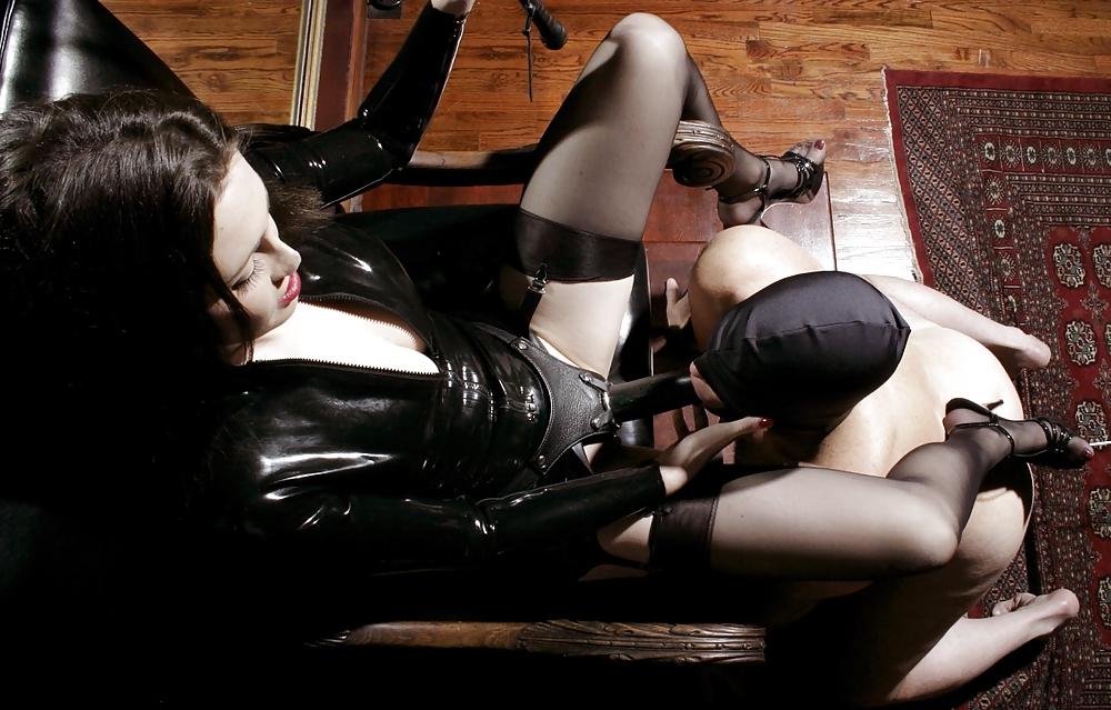 smotret-strapon-bdsm-strast-seks-sado-mazo-foto