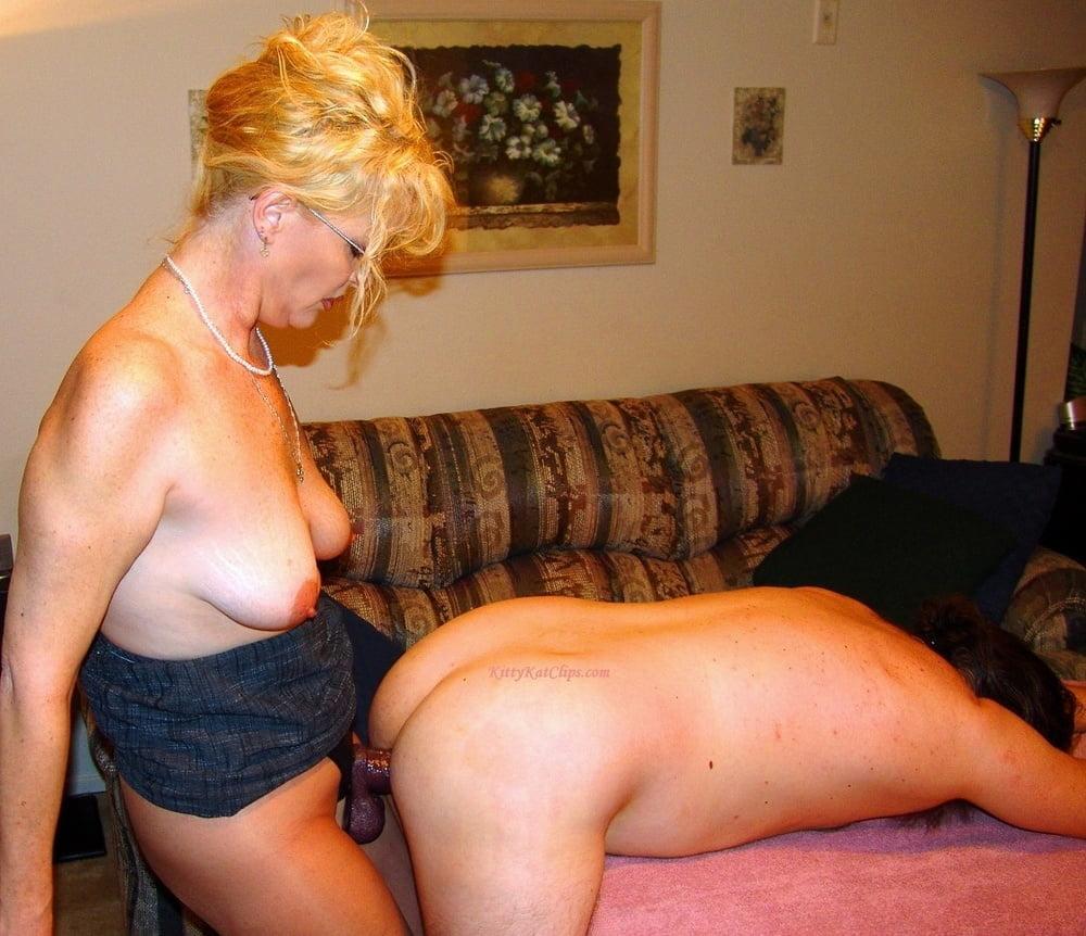 Amateur couple mature strapon dildo fucking porn photo