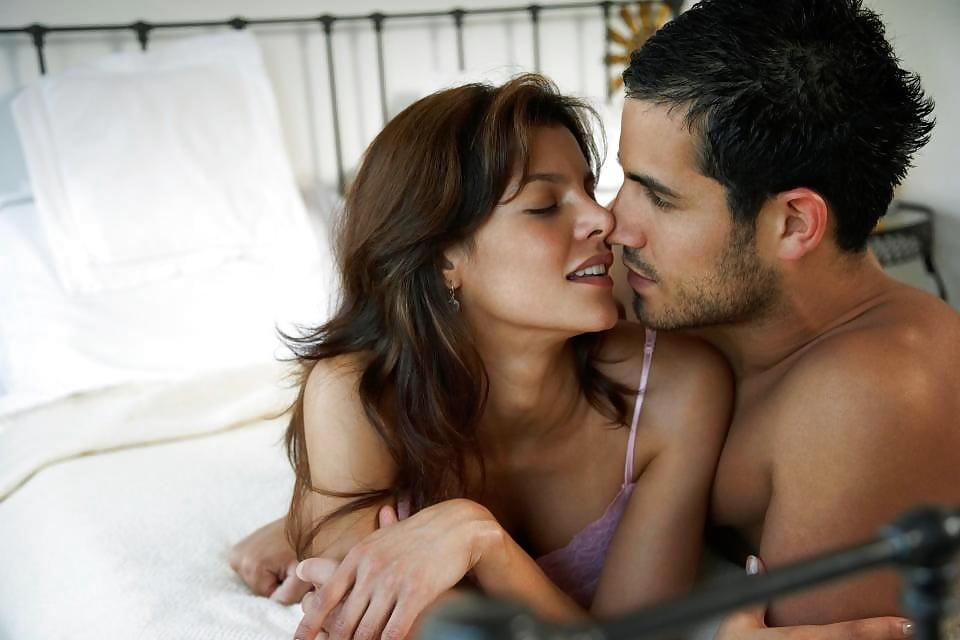 zahvativayushiy-seks-video-golie-siski-pornuha