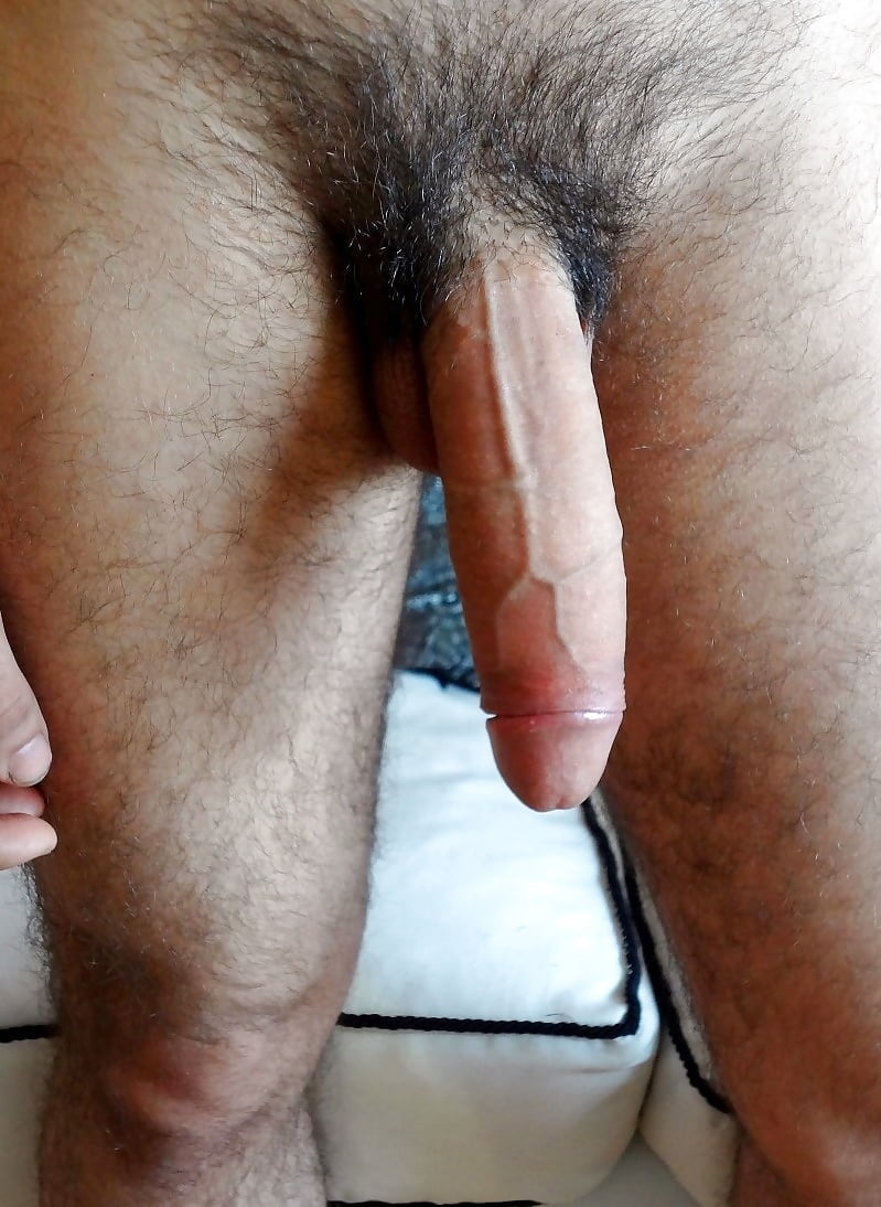 Guy take a pic of his big soft cock