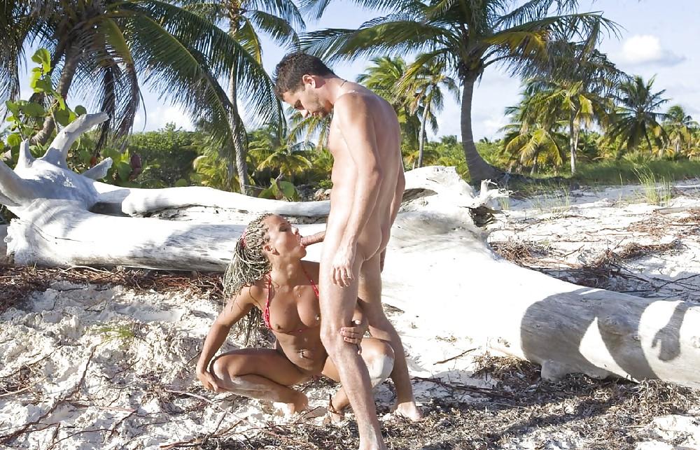 Порно на затерянном острове — 11