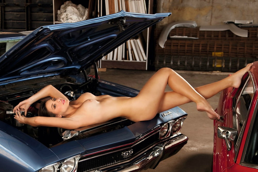 Challenger cars nude girls
