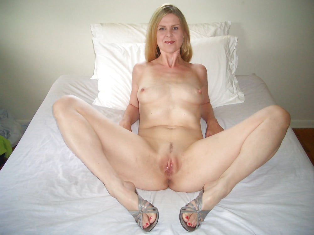 Young hot milf pussy