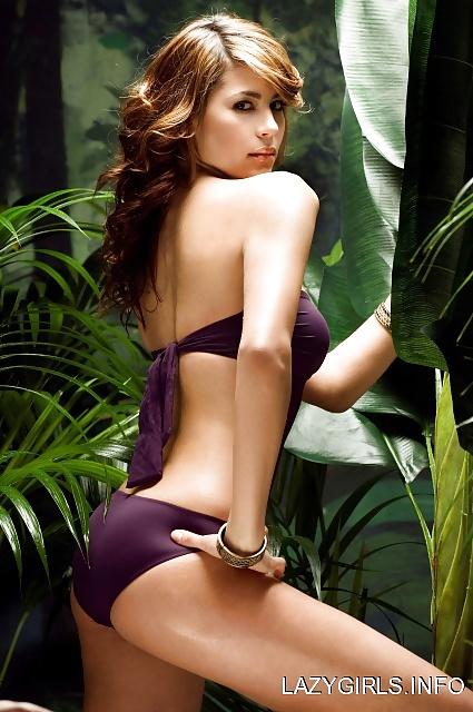 Karima en mode sucette - 3 8