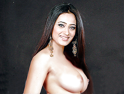Enjoy Very Horny Shweta Tiwari Showing Boobs