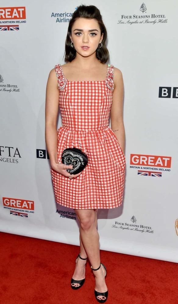 Cum to Maisie Williams 16 - 54 Pics