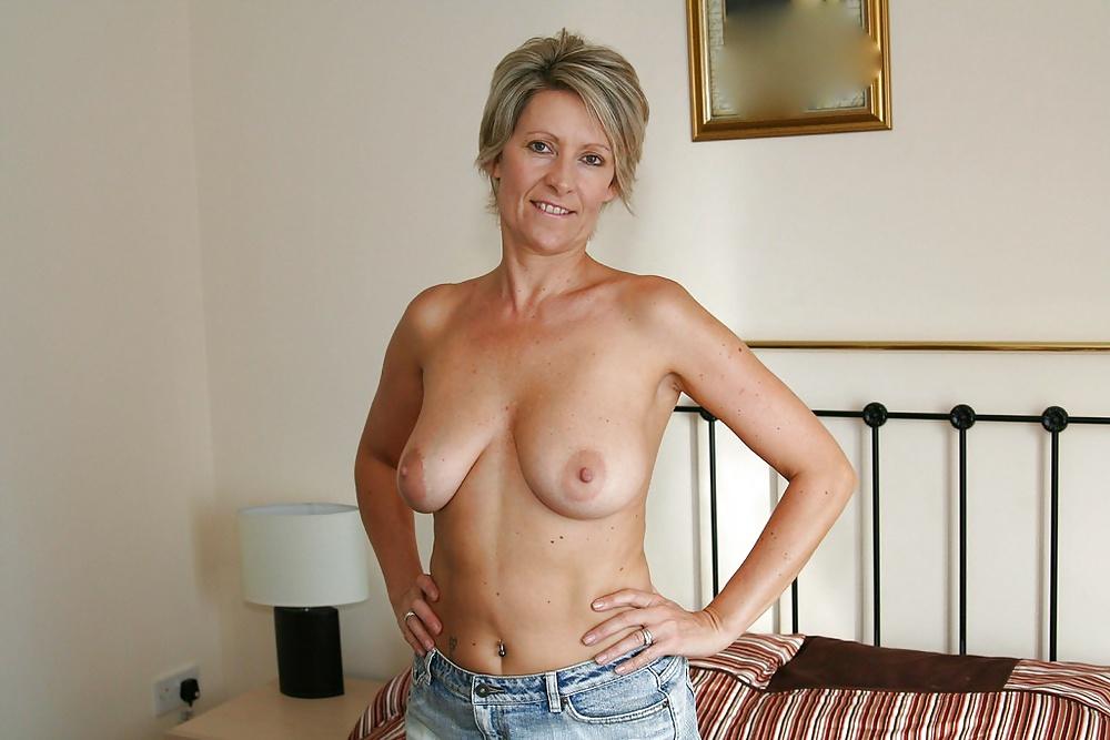 Topless pics mature women — pic 3
