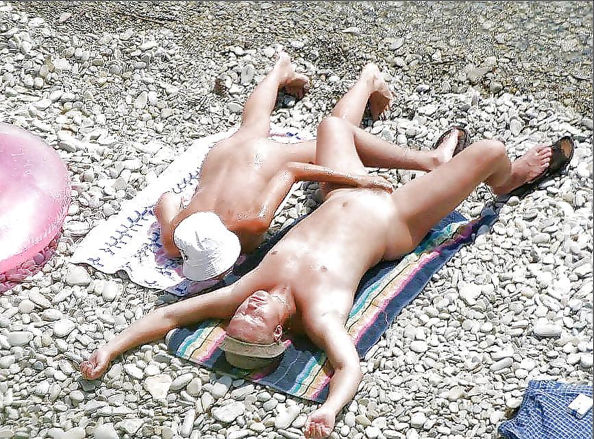 Porn on public beach-4882