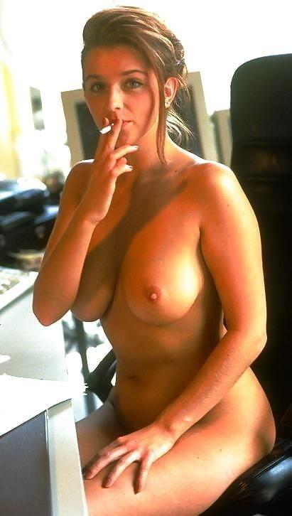 Zigarette Rauchen beim Blowjob