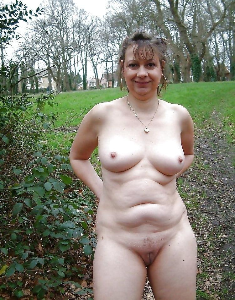 amateur milf masturbates add photo