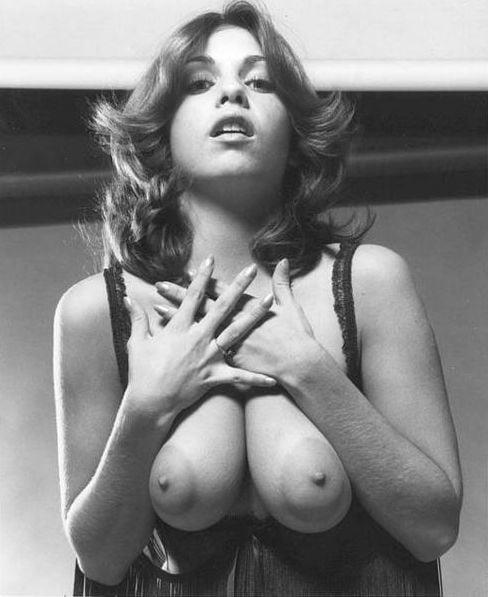 Retro Tits 79 - 10 Pics
