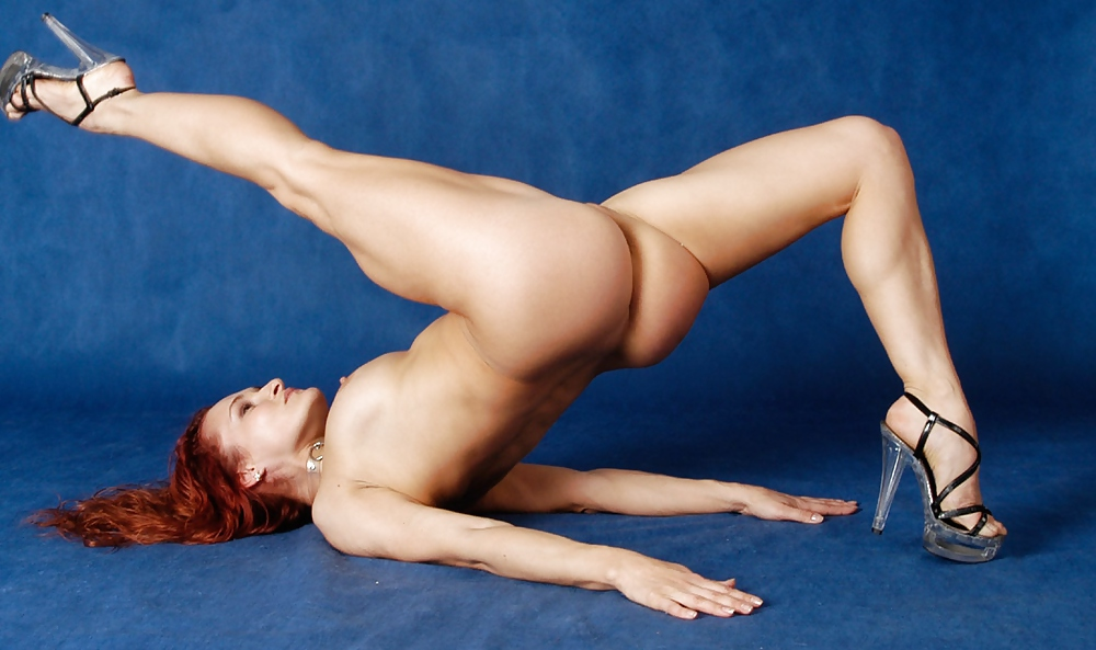 Gymnastics in naked photo woman