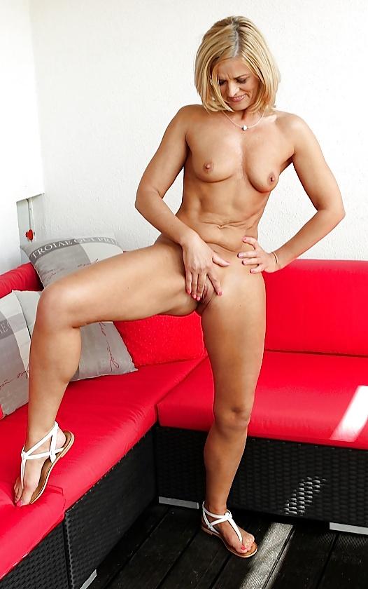 Carrie mcgwire milf, anal farm sex movies