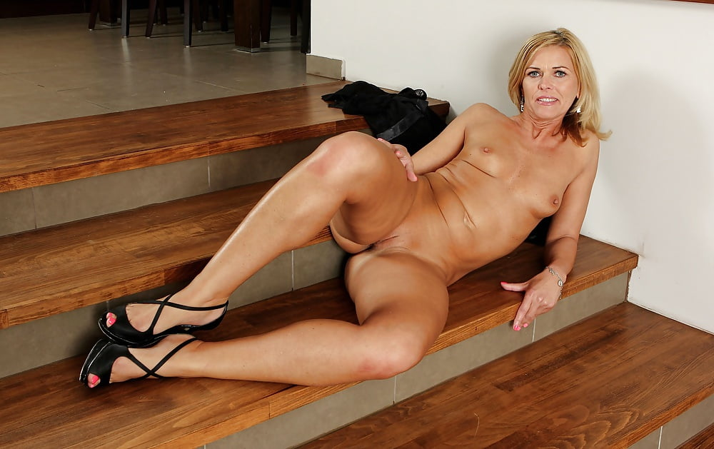carrie-milbank-nude-pic