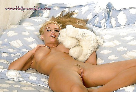 Superstar Coco Austin Nude Photoshoot Images