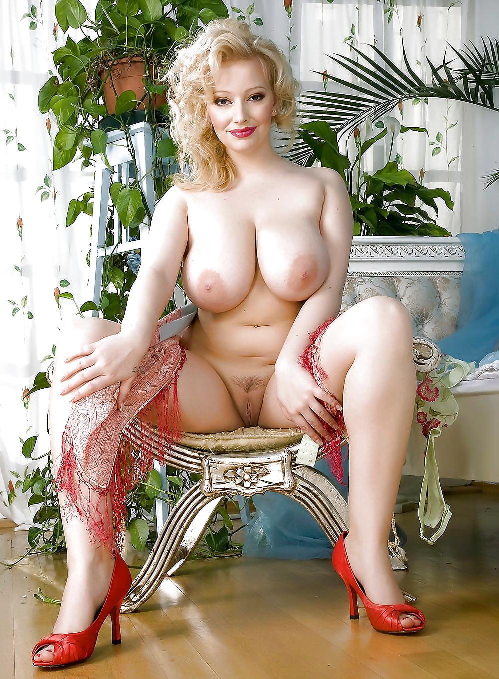 Алиса признякова фото голой порно фейки, мужчина облизывает сиси
