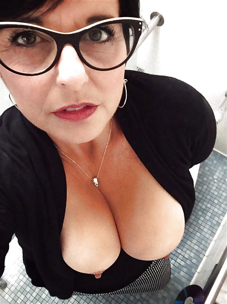 Hot mature big tits glasses