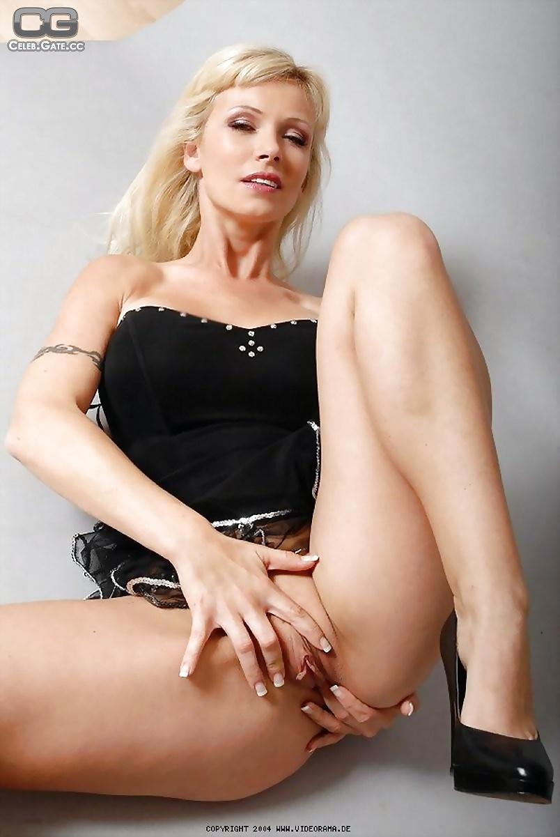 Vivian Schitt
