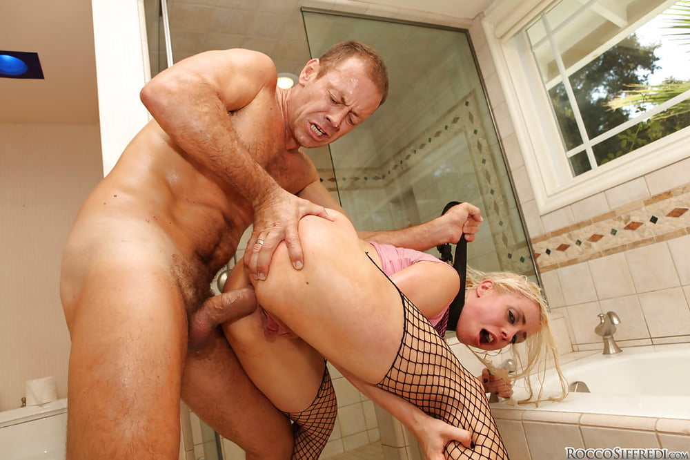 рокко сиффреди жесткий анал в туалете - 2