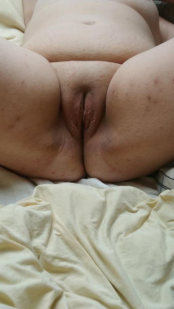 Dame Mopse Brustwarzen Gloryhole