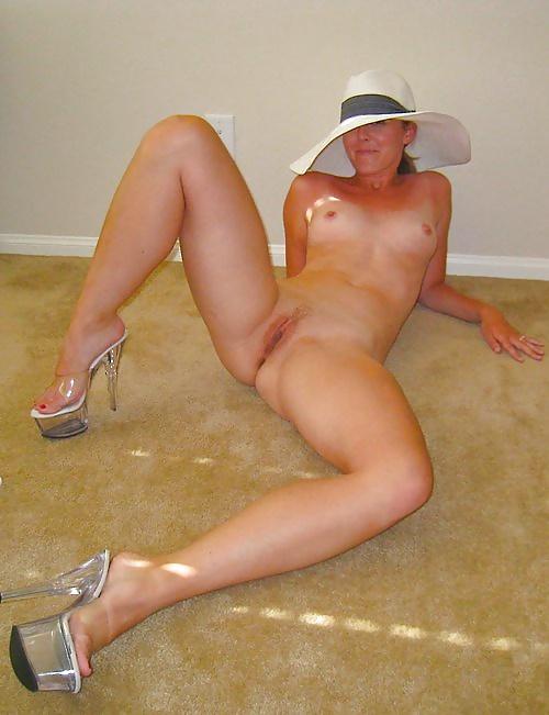 naked-amateur-heels