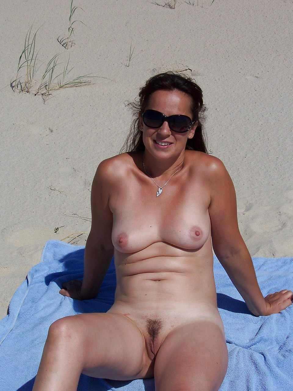 highway on Bikini babe