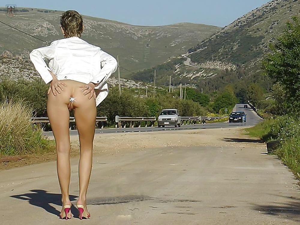 По улице с пробкой в жопе видео, секс форум тетя