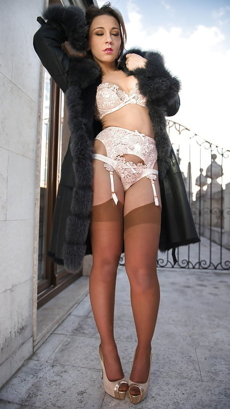 Lets look at a lot of lingerie! - 47 Pics