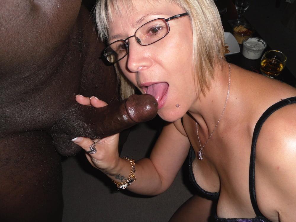 Horny blonde bitch sucks cock in toilette