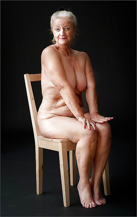 Photos of older nude actresses — img 2