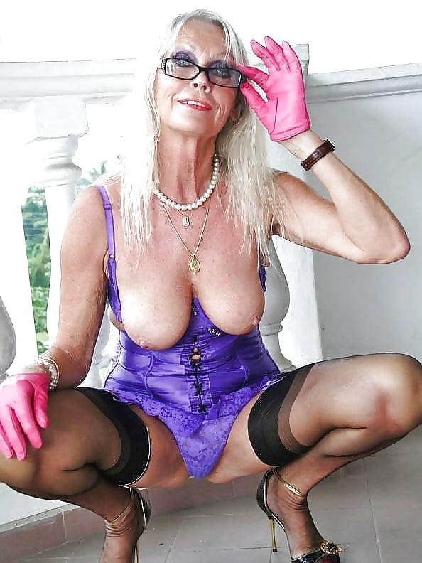 Glamour granny nude
