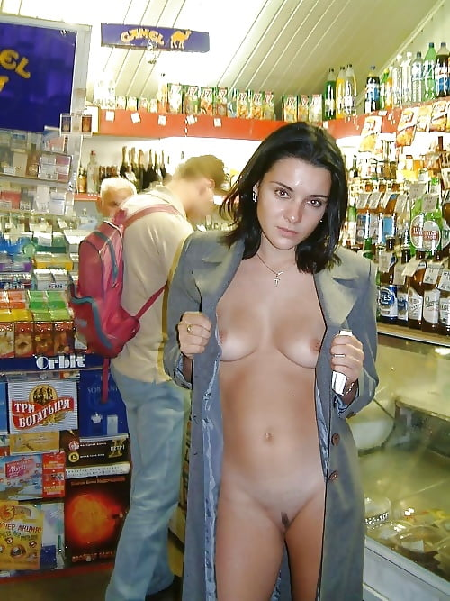 naked-girls-from-walmart