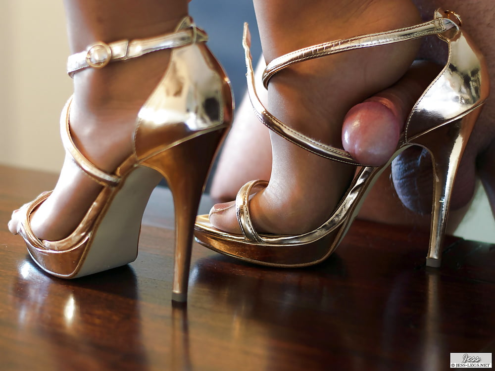 Free asian, high heels pictures