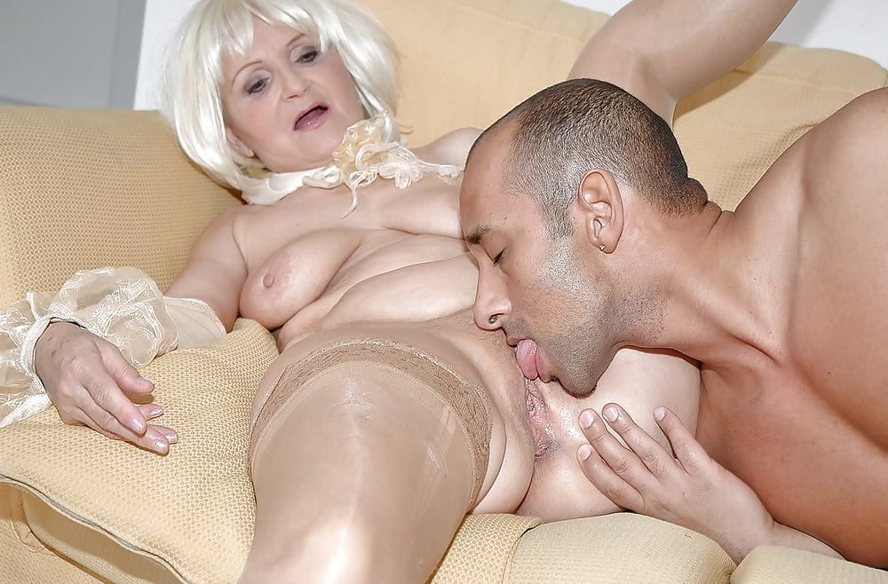 mature-pussy-licking-video