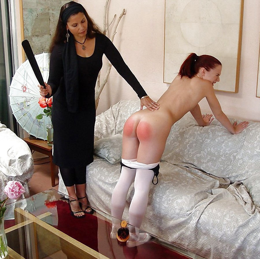 Sexy girls like their young sweet booties spanked