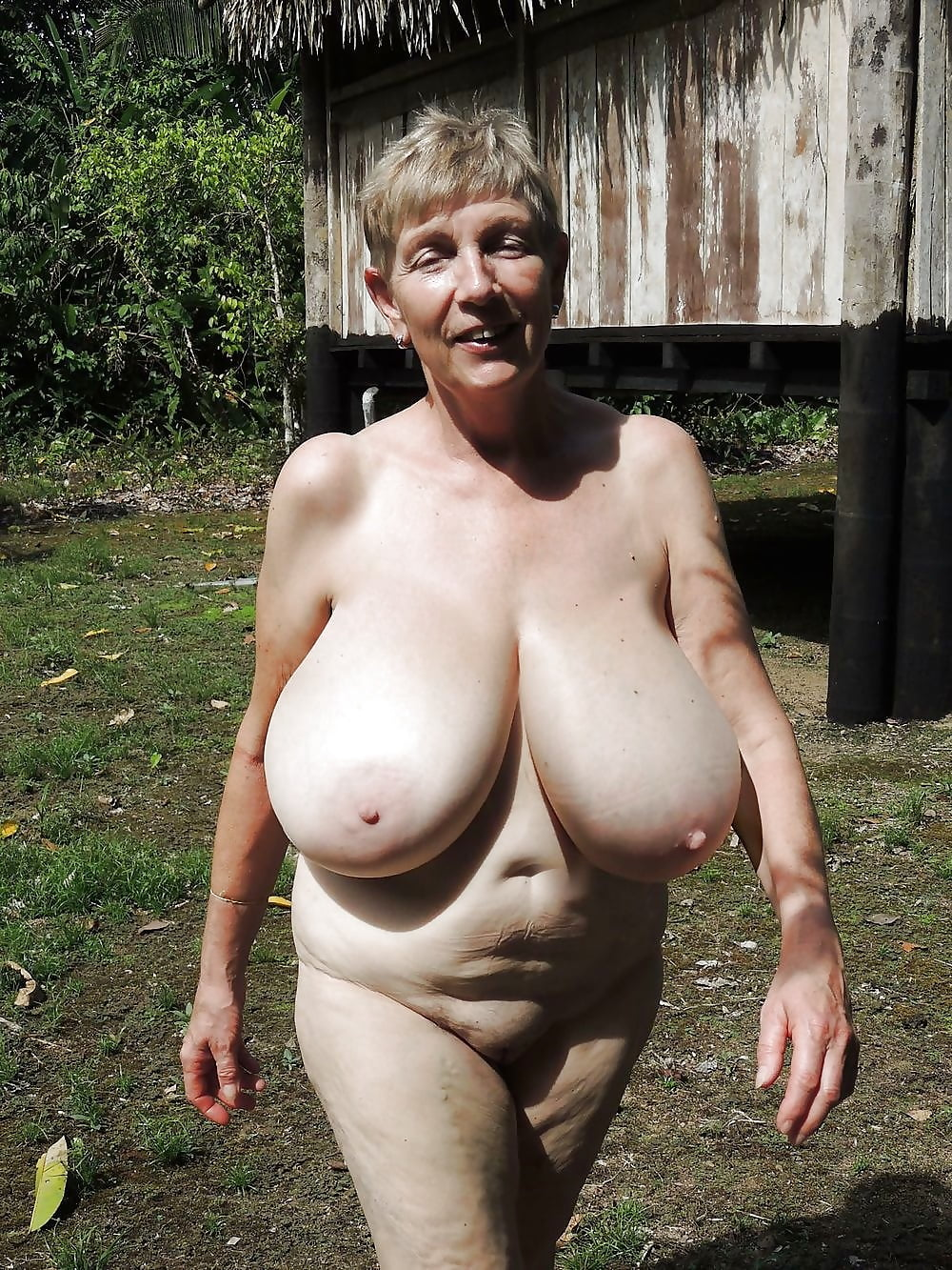 Большие голые старые сиськи на грядке видео, анальные фермерши порно фильмы