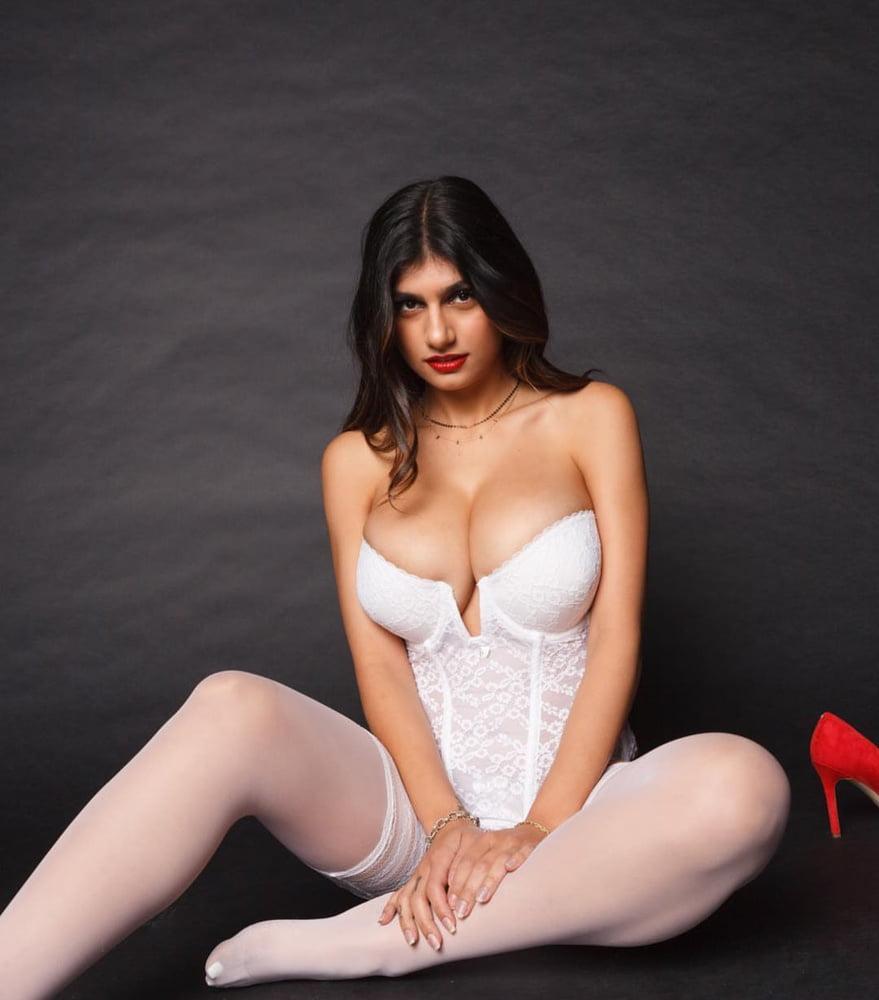 Nude mia khalifa images-9080