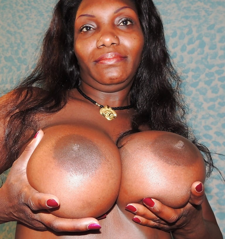 brovoerotic-nipple-ebony