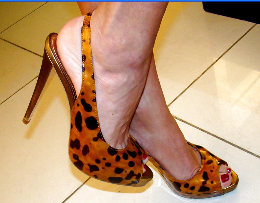 Best blonde celeb legs and feet