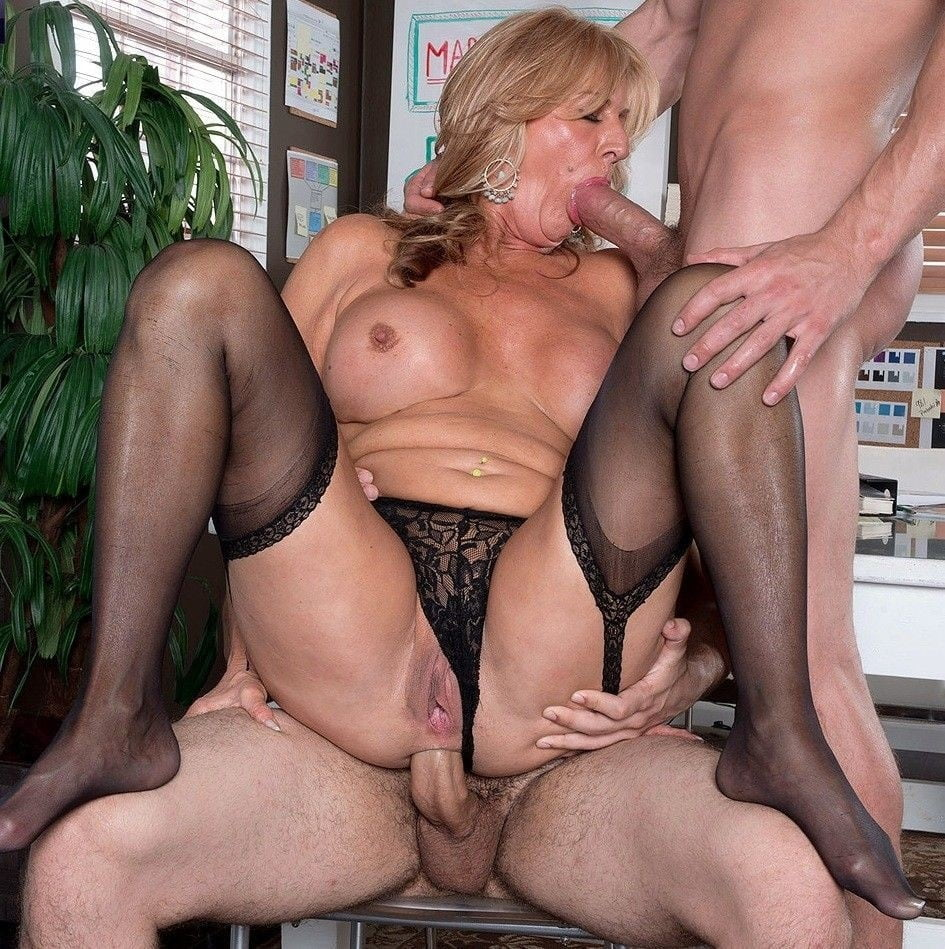 Download Free Busty English Milf Gets Fucked Hard