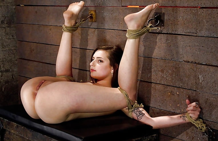 Порно фото закованных девушек — pic 8