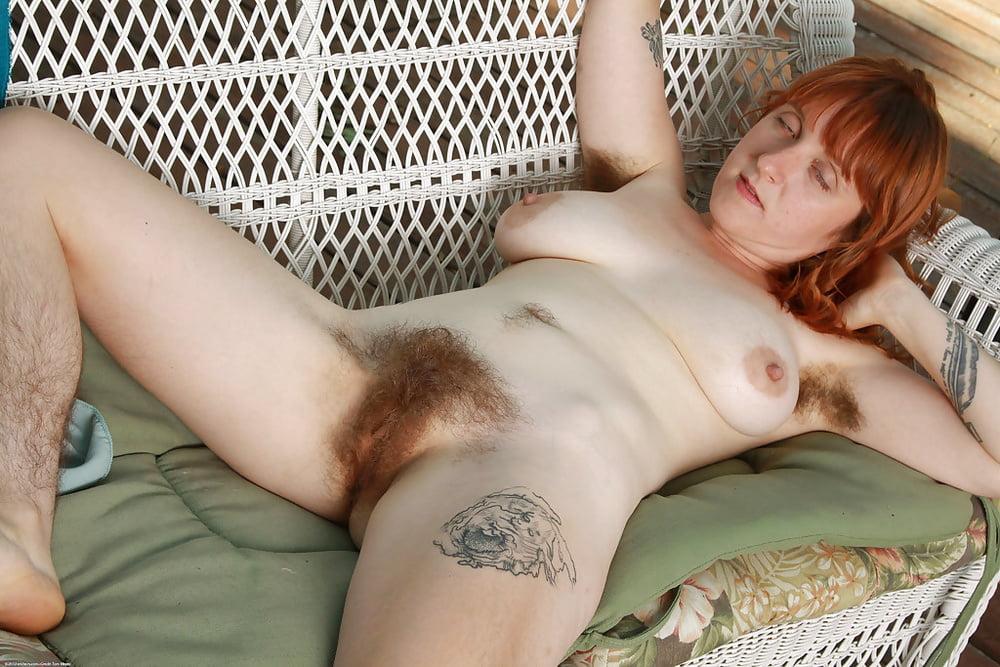 porno-seks-s-rizhim-volosatim-lobkom-video-shou-televidenii-porno